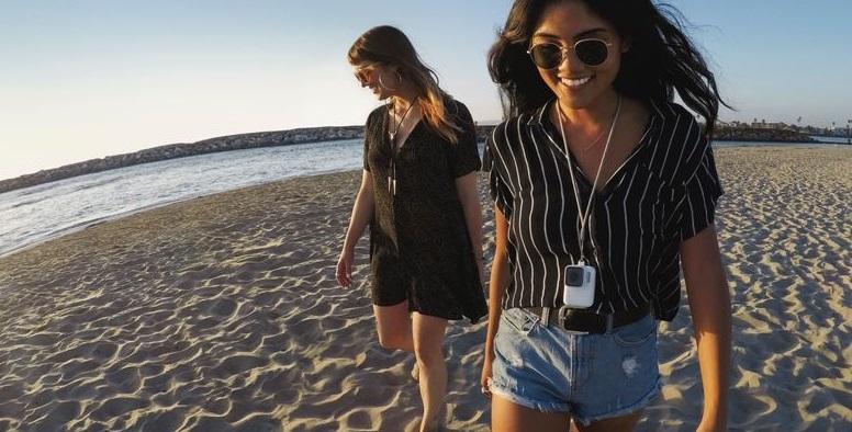 Das GoPro Sleeve mit Lanyard ist kommt stylisch und praktisch daher