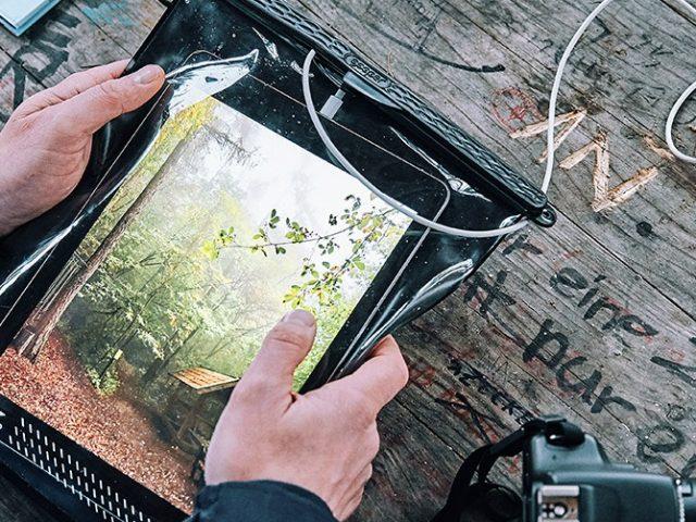 Schutz für Smartphone und Co. mit dem Fidlock Hermetic Dry Bag